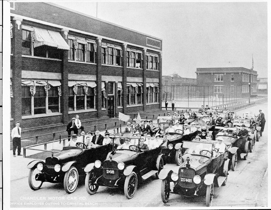 Pictures 2 cleveland chandler auto company cleveland ohio for 20th century motor company